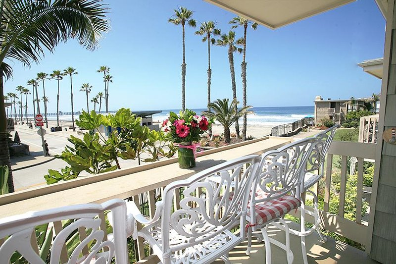 Beautiful View of the pier, beach, and ocean - D4 - Lighthouse on the Shore - Oceanside - rentals