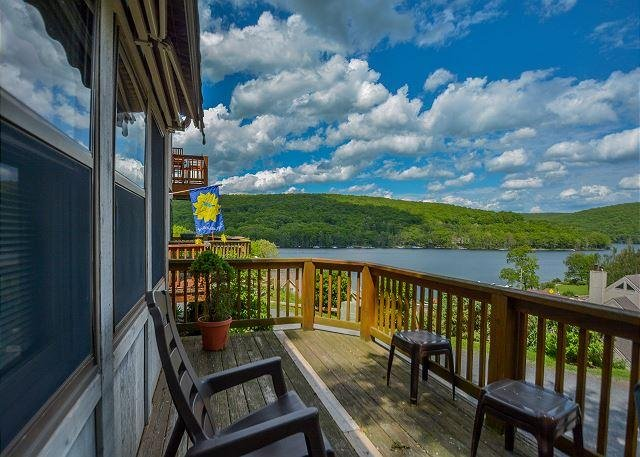 Deck - Cheerful & Inviting 2 Bedroom Townhome in the Heart of Deep Creek Lake! - Oakland - rentals