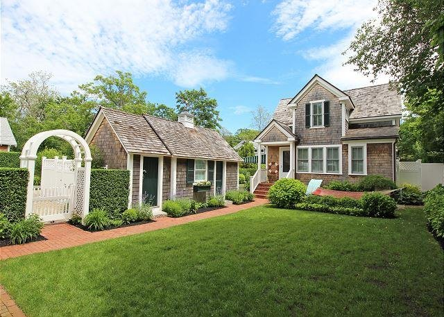 Beautiful in-town Edgartown Home with Carriage House - Image 1 - Edgartown - rentals