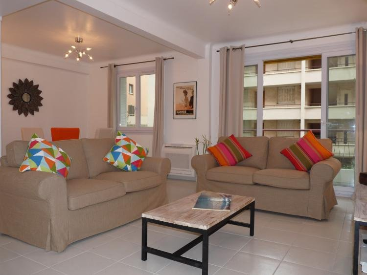 Apartment 82, Superb 2 Bedroom Flat with Terrace, Just off the Croisette - Image 1 - Cannes - rentals