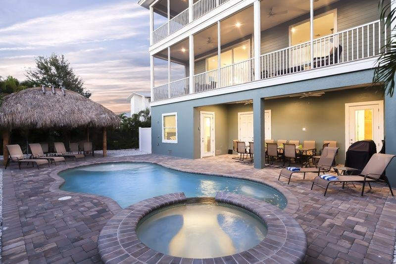 1/29: Experience the luxury at Grande Palermo - Grande Palermo is your Private Pier Area Palace - with Elevator, Tiki Hut and - Fort Myers Beach - rentals