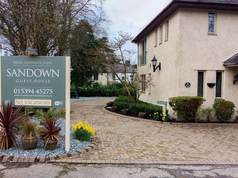 SANDOWN, detached pet-friendly house near lake and amenities in Bowness Ref - Image 1 - Windermere - rentals