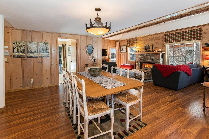 Alpine Meadows – Walk to Meadow, Mountain View, Modern Kitchen, Foosball - Image 1 - South Lake Tahoe - rentals