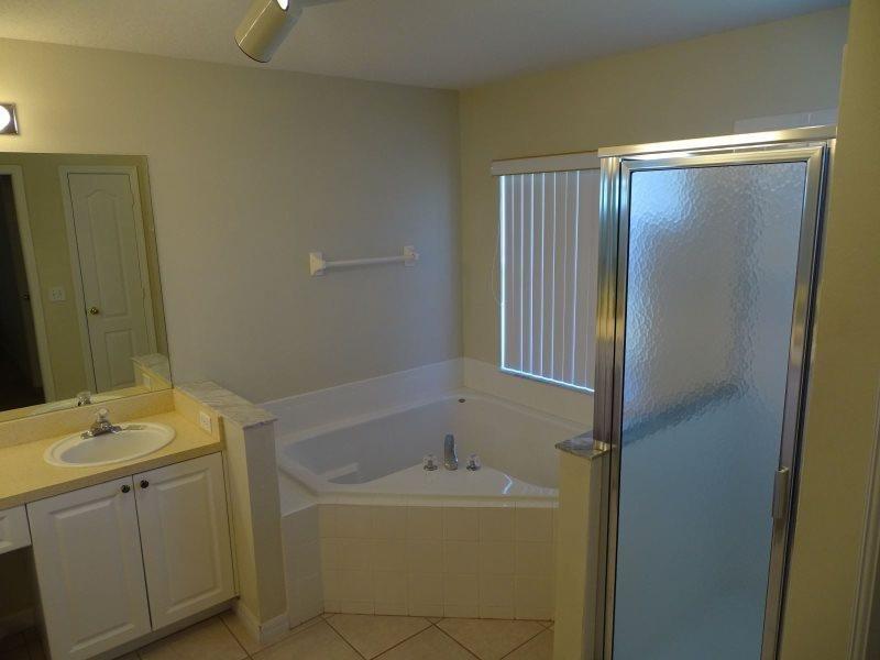365BD. 4 Bedroom 3 Bathroom Pool Home Close To All The Attractions - Image 1 - Orlando - rentals