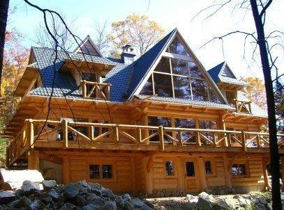 #136 Custom-built log lodge w/stone fireplace, outdoor hot tub & internet - Image 1 - Greenville - rentals