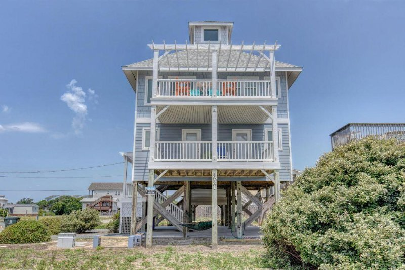 321 Topsail Rd - Topsail Road 321 Oceanview! | Cute Beach Cottage only steps away from the beach - North Topsail Beach - rentals