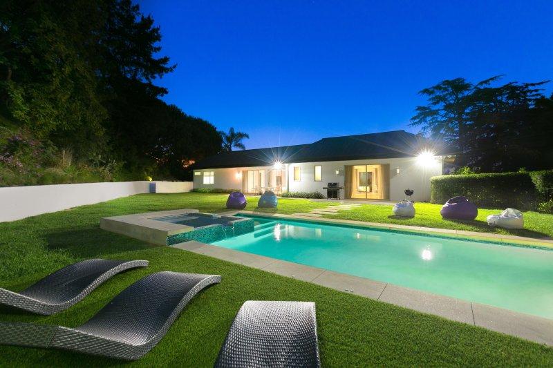 Hollywood Contemporary Retreat - Image 1 - Los Angeles - rentals