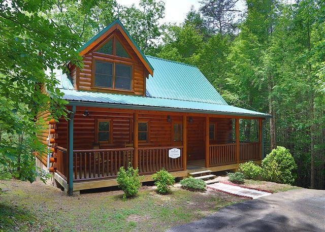 "Cabin - Welcome home to the ""Around The Mountain"" cabin - Sevierville - rentals"