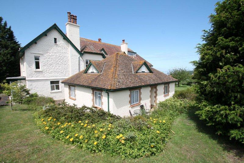 The Bramleys, Old Cleeve - Sleeps 4 - Peaceful rural location - Edge of Exmoor - Image 1 - Minehead - rentals
