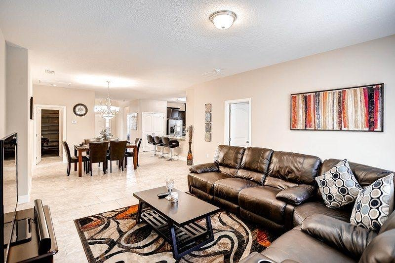 5 Bedroom 5 Bath Villa with Large Master Suite, Private Pool & Spa. 4329AC - Image 1 - Loughman - rentals