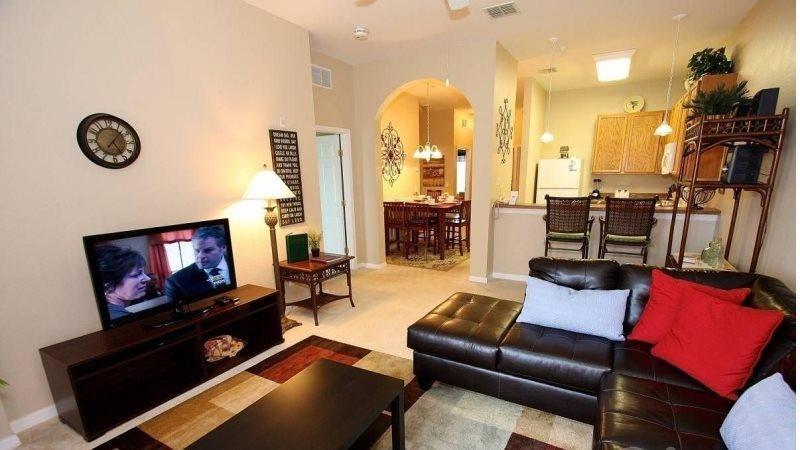 3 Bedroom 2 Bathroom 3rd Floor Condo with Pool View 615RR-32 - Image 1 - Orlando - rentals