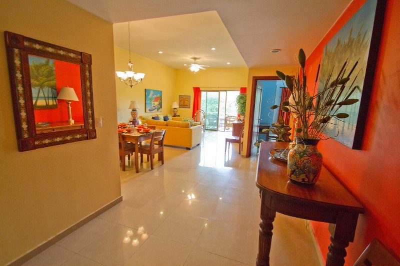 Palmar del sol 202. 2 Bedroom apartment. Garden View. Downtown. Free Wifi. - Image 1 - Playa del Carmen - rentals