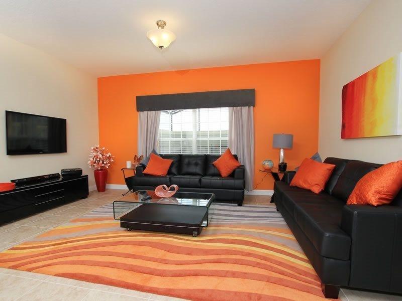 Modern 5 Bedroom 4 Bath Town Home with Pool. 8936CUBA - Image 1 - Orlando - rentals