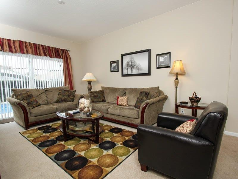 4 Bedroom Pool Home Minutes From Disney World and the Major Attractions. 8159FPW - Image 1 - Orlando - rentals