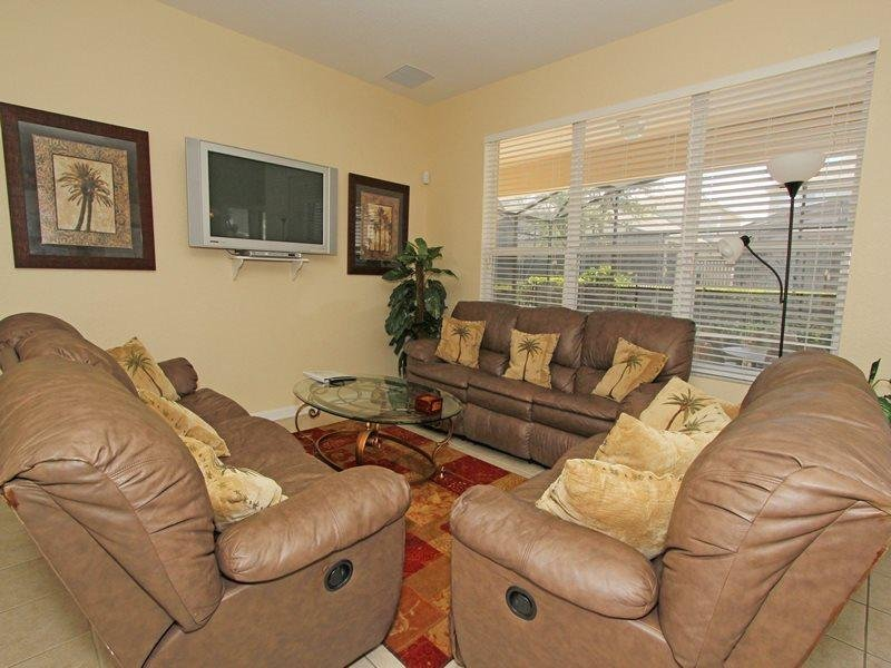 Comforts of the South in this 6 Bedroom 4 Bath Windsor Hills home. 7732TB - Image 1 - Orlando - rentals