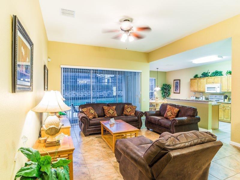 Beautiful 5 Bedroom 5 Bath Pool Home in Windsor Hills Resort. 7754TS - Image 1 - Orlando - rentals