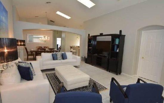 Stunning 5 Bedroom 4 Bathroom Pool Home in Kissimmee. 2685OL - Image 1 - Reunion - rentals