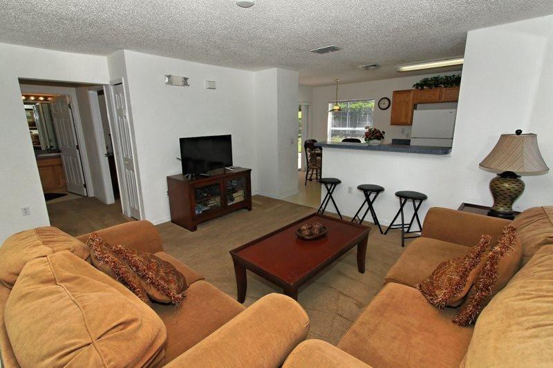 4 Bedroom Pool Home In Gated Golf Community. 1119MCD - Image 1 - Orlando - rentals