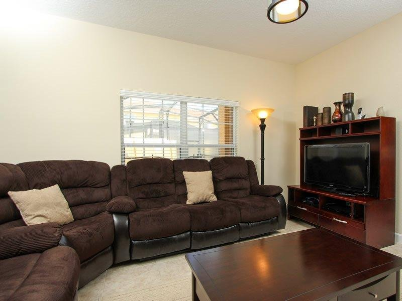 4 Bed 3 Bath Town House In Paradise Palms Resort. 8979CAT - Image 1 - Four Corners - rentals