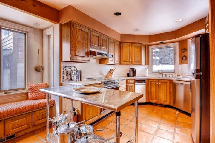 Open kitchen that looks on to the dining room. - Deer Valley Drive Ski Home - Park City - rentals