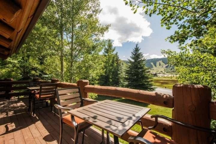 From the balcony / deck, you will have no trouble enjoying unobstructed & epic views of Deer Valley Resort. - Deer Valley Chaparral - Park City - rentals