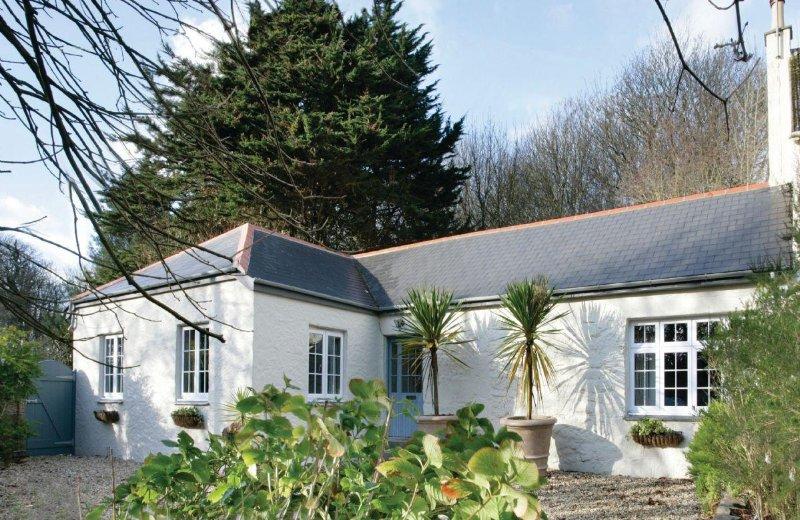 St Corantyn Cottage - Image 1 - Helston - rentals