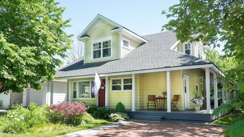 Welcome to Butterfly Cottage! - Easy walk to shops, dining, theatre, parks, grocer - Niagara-on-the-Lake - rentals
