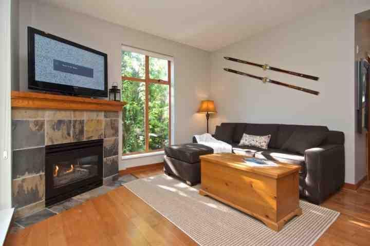 New flooring, new Sofa Bed, plus gas fireplace - North Star Unit 118 - Whistler - rentals