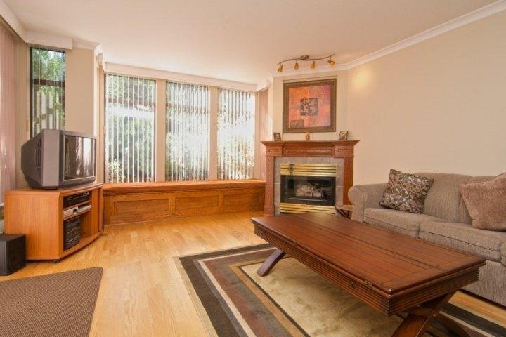 Custom Window seat, plenty of natural light - Ravencrest Unit 206 - Whistler - rentals