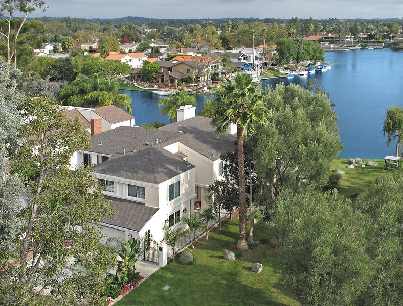Waterfront with Boat & pool - 30% off 2nd week, 50% off 3rd week (Sept 1-Dec 18) - Image 1 - Laguna Beach - rentals