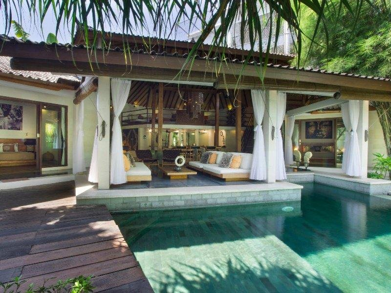 Shantika, Luxury 3 Bedroom Villa, large pool, close to beach Seminyak - Image 1 - Seminyak - rentals