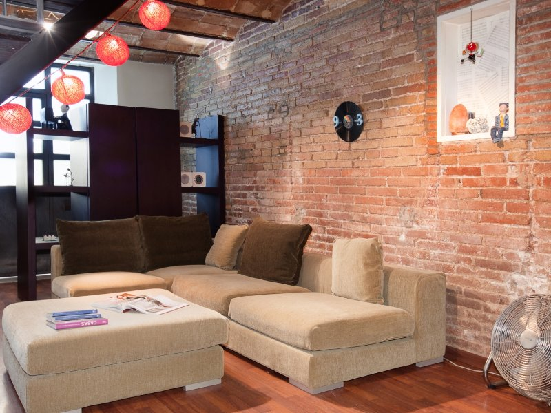 Charming apartment with industrial décor near the Sagrada Familia - Image 1 - Barcelona - rentals