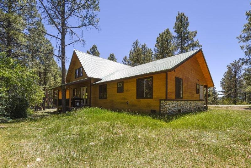 Enchanted Place is a beautiful vacation home in Pagosa Springs, offering - Image 1 - Pagosa Springs - rentals