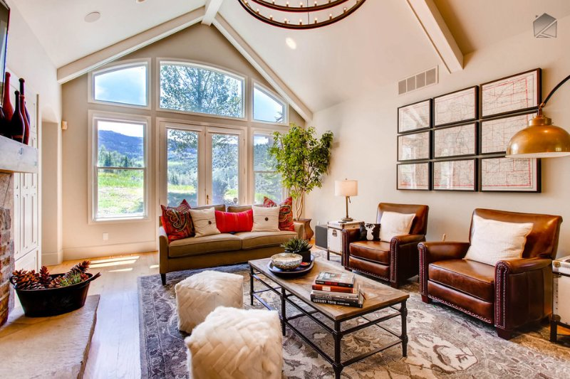 You can lounge indoors or out, both have that airy, welcoming feel. - Great outdoor space, amazing mountain views, close to golf and Edwards Riverwalk - Creature Comforts at Cordillera - Edwards - rentals