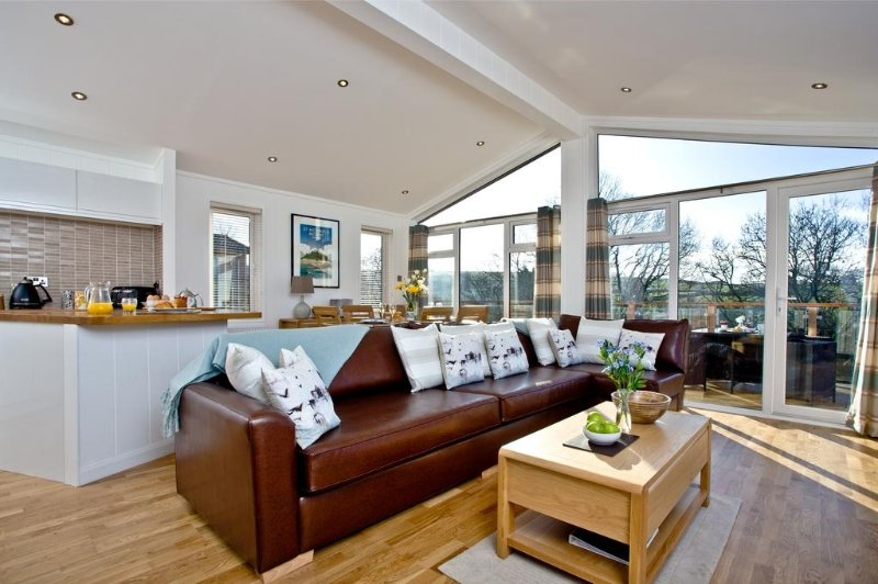 3 Treetops located in Lanreath, Cornwall - Image 1 - Lanreath - rentals