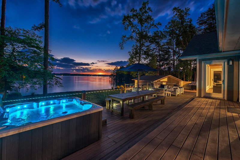 Luxury Lake Living - Includes Guest House - Image 1 - Lake Norman - rentals