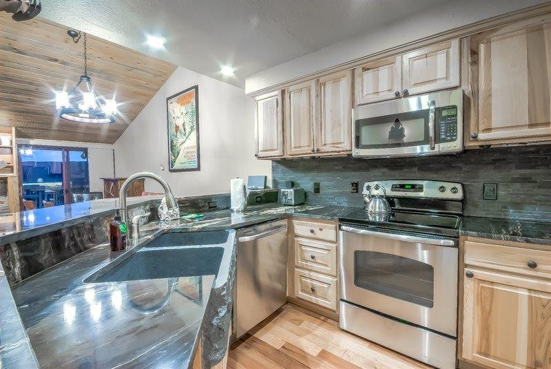 Extensive Views and Block To Slopes - Image 1 - Steamboat Springs - rentals