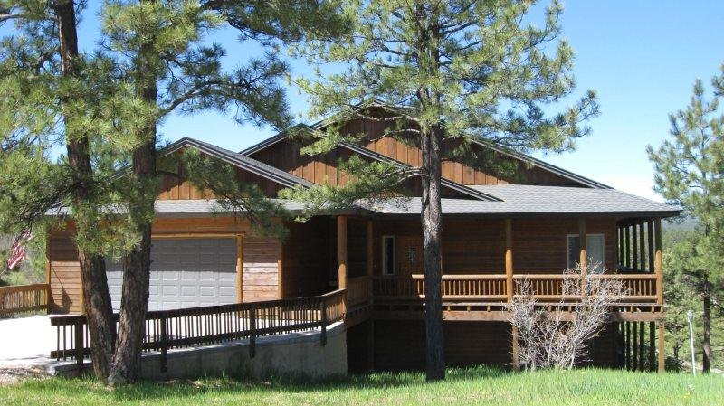 Glenwood is a relaxing vacation home located in the Twin Creeks area in Pagosa - Image 1 - Pagosa Springs - rentals