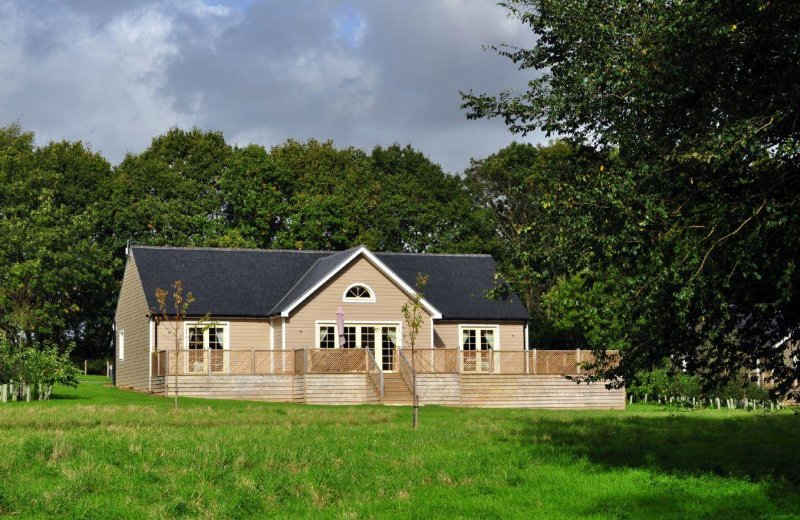 Brook Lodge (Suffolk) - Image 1 - Colchester - rentals