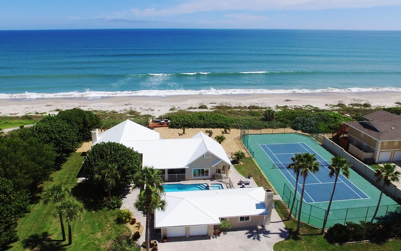 Aerial view of the Property, Pool & Spa, Tennis court, Beach and Atlantic Ocean - GOLDEN SANDS EMERALD - Luxury Beachfront, Tennis Court, Pool, Spa, Private Beach - Melbourne Beach - rentals