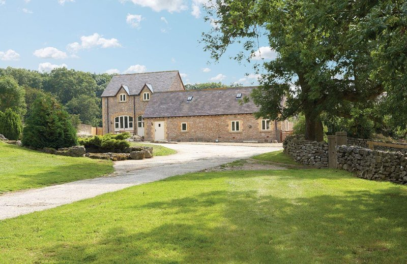 The Old Stables (Wales) - Image 1 - Llanferres - rentals