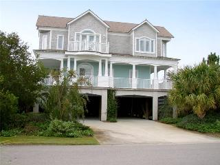 Beautiful House with Shared Outdoor Pool and DVD Player - Pawleys Island vacation rentals