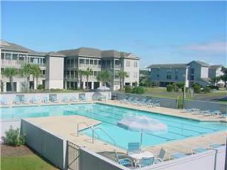 3 bedroom House with Shared Outdoor Pool in Pawleys Island - Pawleys Island vacation rentals
