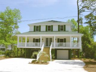 Beautiful 5 bedroom Pawleys Island House with A/C - Pawleys Island vacation rentals
