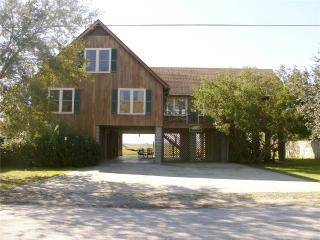 Wonderful House with DVD Player and Parking - Pawleys Island vacation rentals