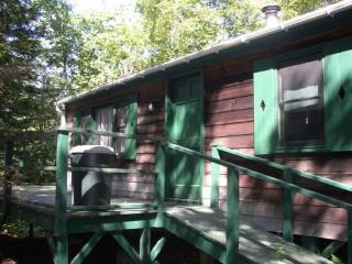 LA CABINITA | BOOTHBAY HARBOR | SPRUCEWOLD COMMUNITY | SECLUDED SETTING | GREAT - Boothbay Harbor vacation rentals