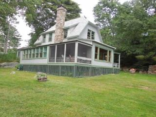 JOHN'S COTTAGE | MCKOWN POINT | JUNIPER POINT ASSOCIATION | OCEAN FRONT | OCEAN VIEWS | SHARED BEACH | SHARED DOCK & FLOAT - Boothbay Harbor vacation rentals
