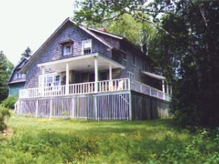 Beautiful 3 bedroom Brooklin House with Deck - Brooklin vacation rentals
