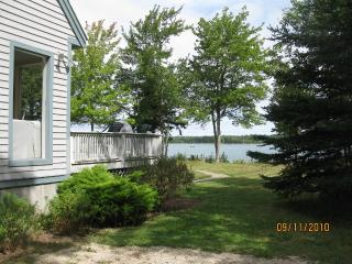 Cozy House with Internet Access and DVD Player - Brooklin vacation rentals