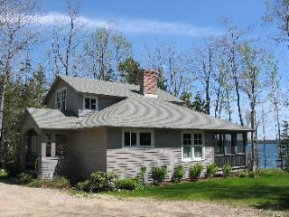 Gorgeous Hancock House rental with Deck - Hancock vacation rentals